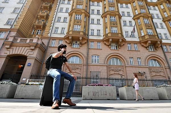 Россиянам остановят выдачу американских виз