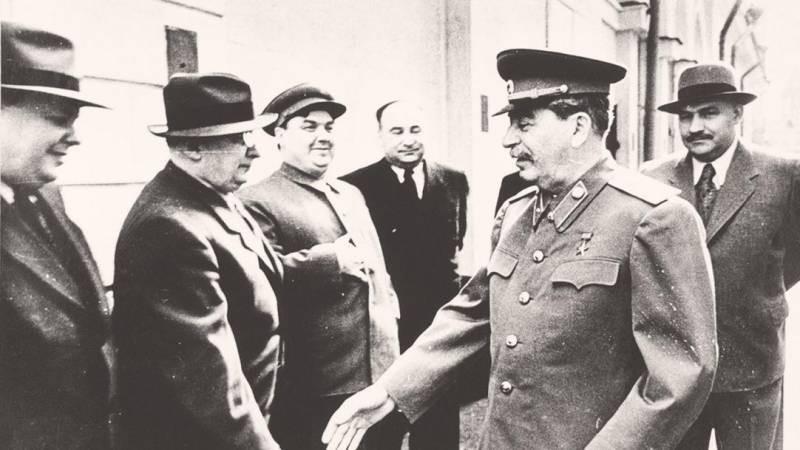 Что известно о черной тетради Иосифа Сталина