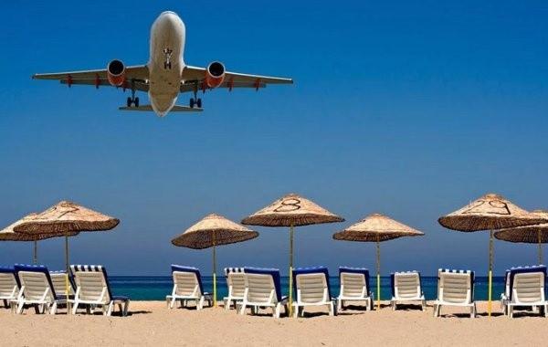Россиянам рассказали о сроках возобновления авиасообщения с курортами Египта