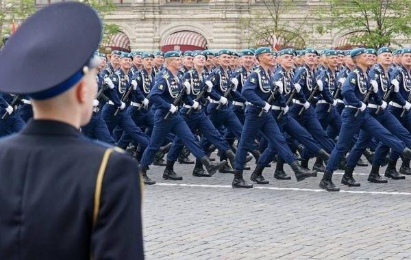 Генеральную репетицию военного парада в Москве покажут по ТВ