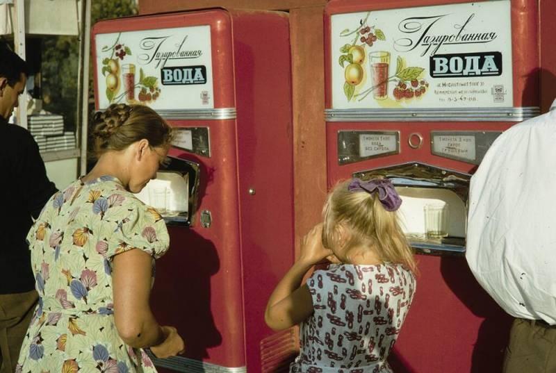 Какие советские привычки не смогли выжить в современном мире, а какие живут и здравствуют