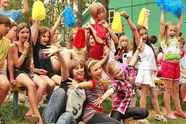 Когда начнутся летние каникулы у школьников в России в 2021 году
