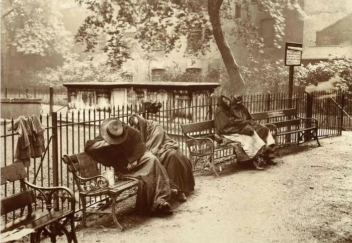 Гробы и двухпенсовый подвес или где ночевали бездомные англичане
