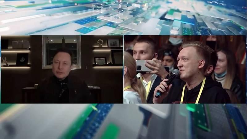 Илон Маск выступил на российском марафоне «Новое знание», где рассказал о будущем электротранспорта и планах Tesla