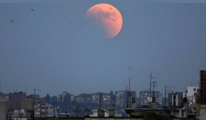 В мае 2021 года произойдёт полное лунное затмение, которое называют «бешеным» или «кровавым»
