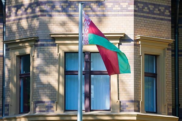 Почему Белоруссия высылает дипломатов Латвии со своей страны в 2021 году
