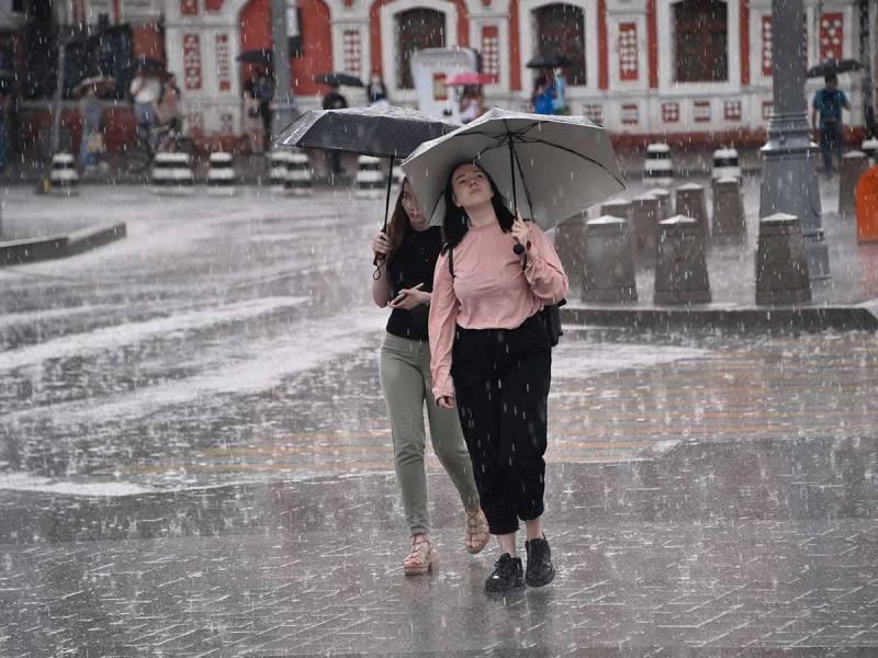 Синоптики прогнозируют скорое потепление в Москве после перепадов температуры в июне 2021 года