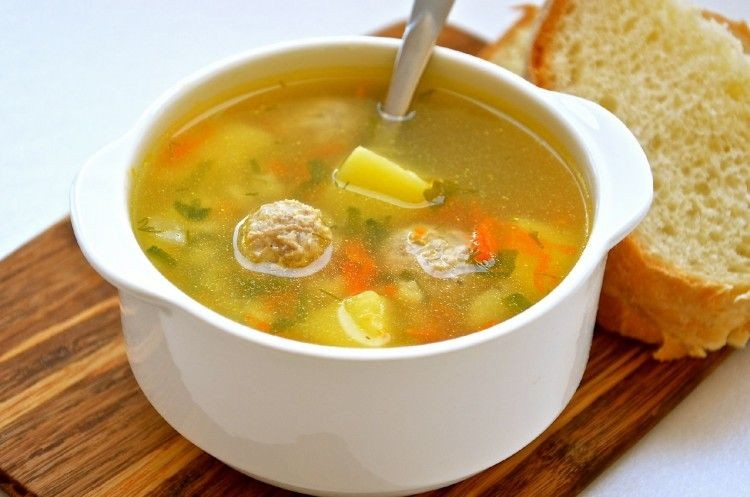 Доктор Александр Мясников оценил риски для здоровья при употреблении супов