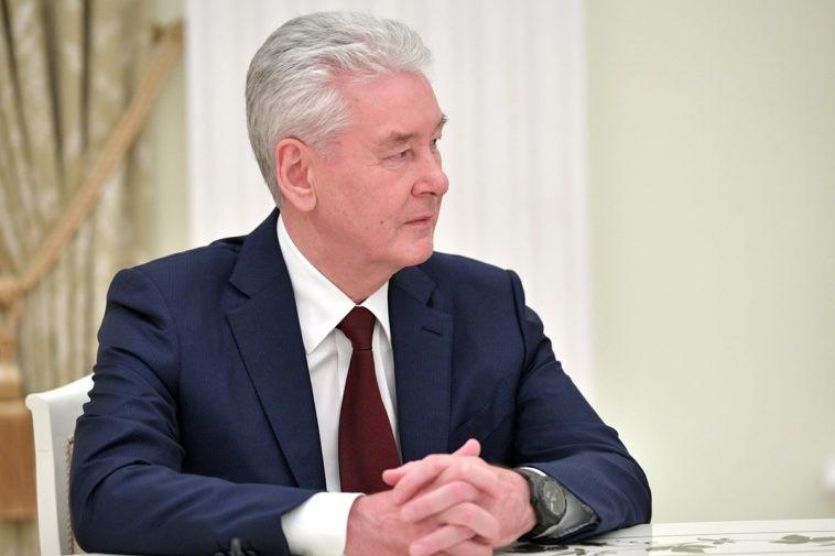Москва борется с COVID-19: Собянин продлил новый локдаун с 20 июня 2021 года