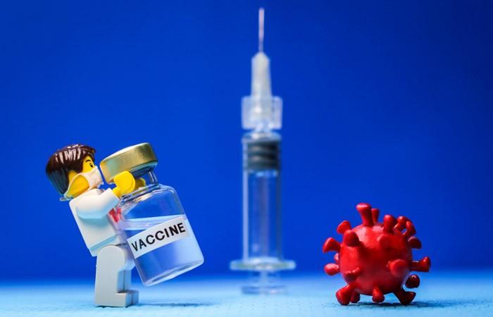 Кому нельзя делать прививку от коронавируса, список противопоказаний