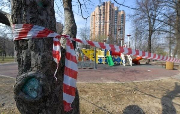 В Москве продлили ограничения из-за роста числа заболевших коронавирусом