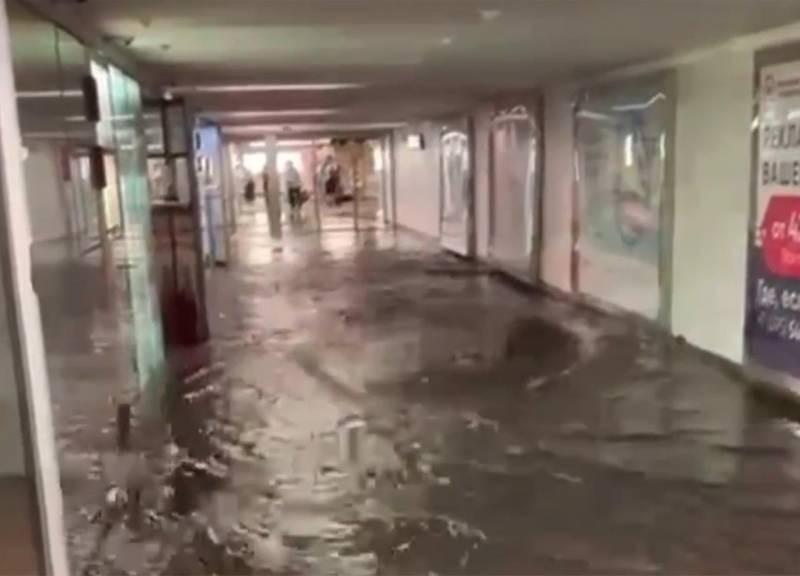 Ураган в Москве: затоплено метро и телецентр Останкино, в городе пробки
