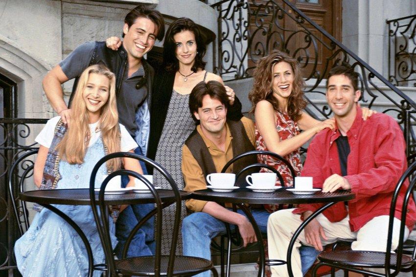 «Друзья» вернулись и вспомнили былое: вышла новая серия легендарного сериала