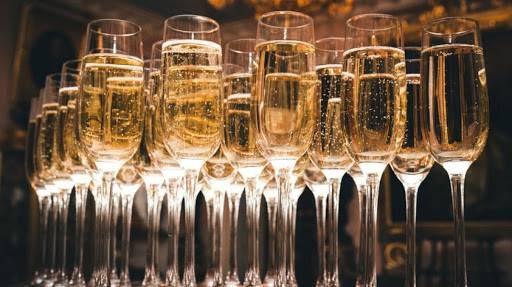 В России шампанским теперь будут называть другие вина