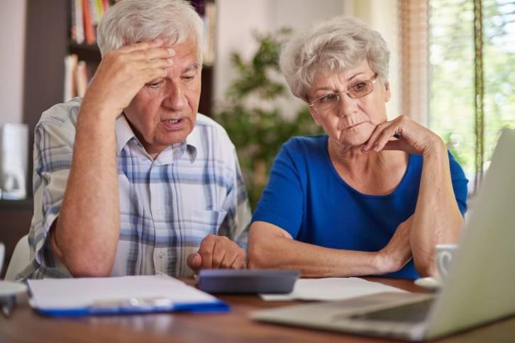 Депутаты хотя помочь работающим пенсионерам больше зарабатывать