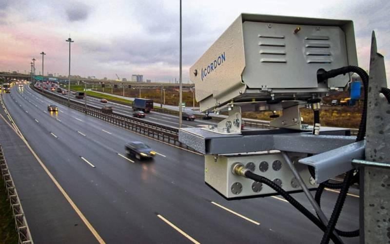 В каком месяце новые камеры начнут штрафовать водителей за выключенные ходовые огни