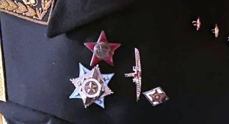 ЧП в Петербурге: адмирал лишил жизни свою семью, как Джек Потрошитель, а ушел, как Анна Каренина