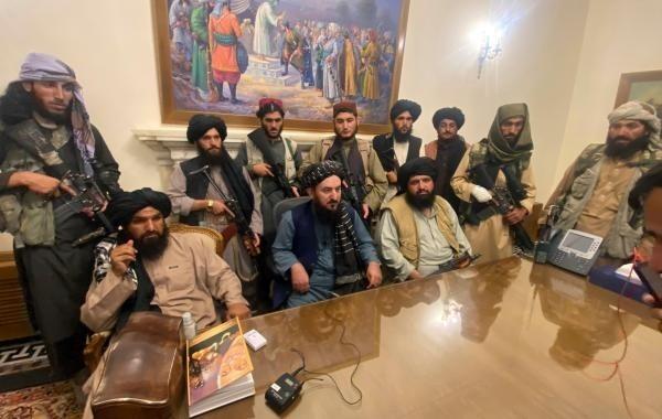 Талибы провели первую пресс-конференцию в Афганистане