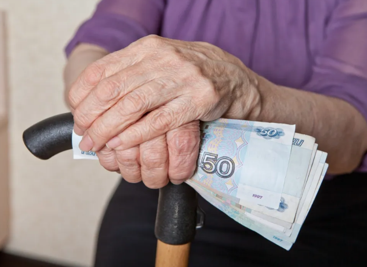 Владимир Путин предложил поддержать пенсионеров в 2021 году разовой выплатой в 10 тыс. рублей