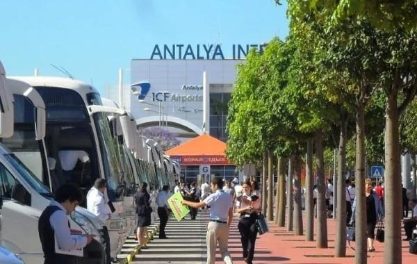 Турция ужесточила требования для российских туристов