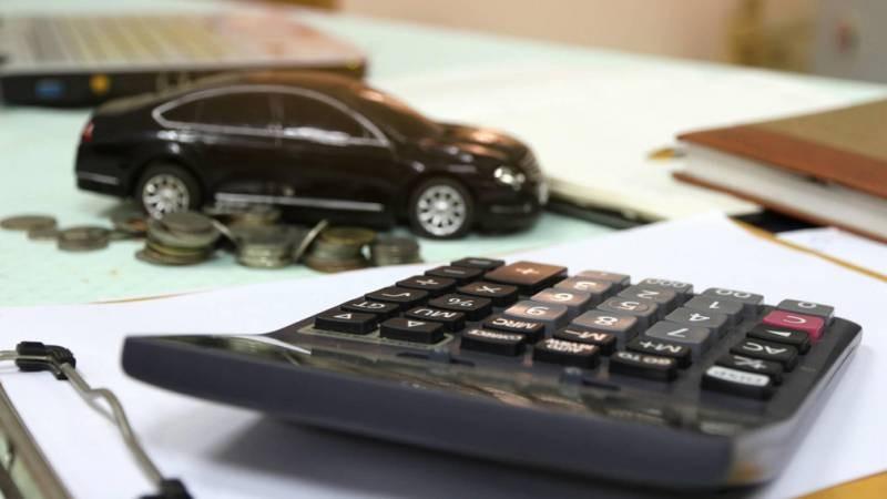 Автолюбителям напомнили об оплате транспортного налога до 1 декабря