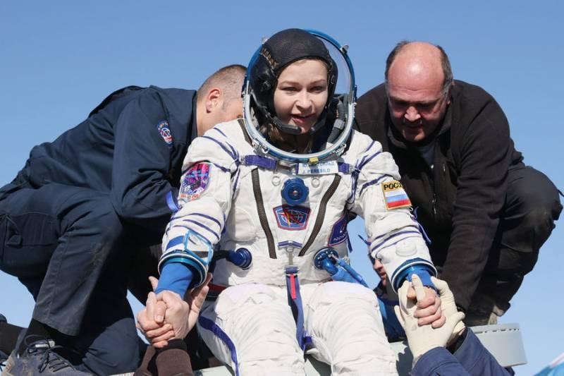 Корабль «МС-18» с «киноэкипажем» с Юлией Пересильд вернулся на Землю